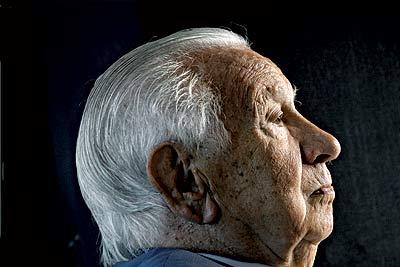 A sus 87 años, Juan Antonio Samaranch mantiene intactos sus delicados modales y su habitual elegancia.