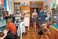 Nakita y Diego, Pensilvania.CETME y Springfield XD-45. Nakita, que creció en Rusia, recuerda que su padre tenía armas en el armario. Siempre supo cómo usarlas en caso de emergencia. No duda de su capacidad para hacerlo si alguien pone en peligro su vida o la de sus familiares.