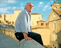 La mirada más curiosa. En Cuenca, donde vive, oteando el horizonte en busca de inspiración.