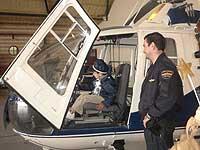 Jaime visita la central de la Policía Nacional.