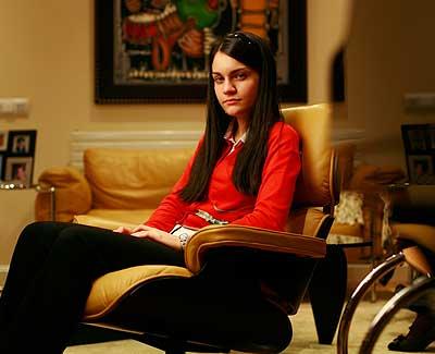 A pesar de se alto cociente intelectual, las necesidades afectivas de Isabel son las mismas que las de cualquier adolescente de su edad.