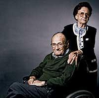 LOS QUE LLEVAN TODA LA VIDA. María Gómez y Francisco Moreno llevan 67 años casados.