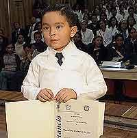 Maximiliano Arellano da conferencias sobre Medicina desde los cuatro años.