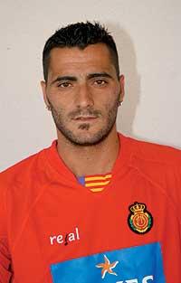 Dani Güiza juega con Kelme.