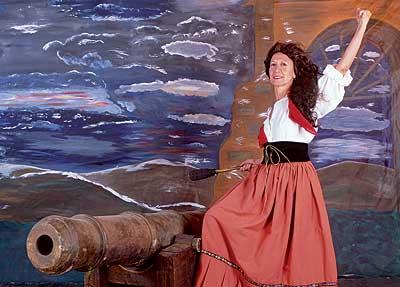Rosa Díez como Agustina de Aragón.