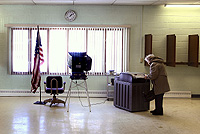 Urna electrónica en Estados Unidos, utilizada en las actuales primarias.