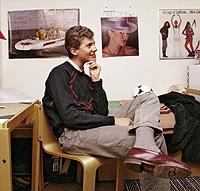 COU en Canadá. Don Felipe ocupó este dormitorio, igual al del resto de estudiantes, en 1984, durante su permanencia en el College de Lakefield. (Foto: Cover)