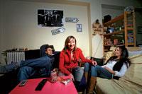 """María García. Zaragozana de """"treintaymuchos"""". Licenciada en Turismo. Paga 355 euros por compartir piso con Carmen (29 años) y Luca (27)."""