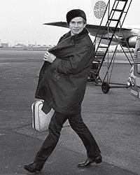 Nureyev, en el aeropuerto de Londres, antes de dirigirse a Nueva York en 1962.