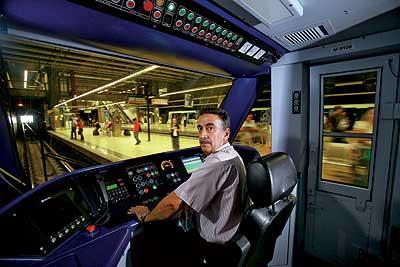 ELMUNDO.ES | SUPLEMENTOS | MAGAZINE 495 | Conductores de metro: mi ...