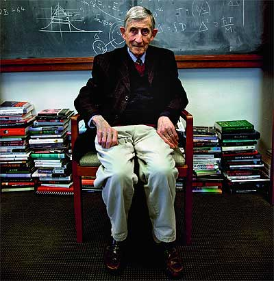 UN HOMBRE SABIO. El octogenario Dyson en el Instituto de Estudios Avanzados en Princeton, New Jersey.