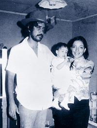 Un viejo retrato de Zelaya con su mujer y su hija.| AP