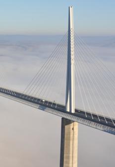 Viaducto de Millau: un puente en el cielo