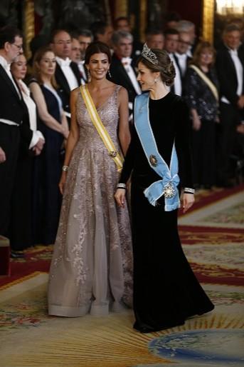 La reina Letizia y Juliana Awada, esposa del Presidente de Argentina, Mauricio Macri.