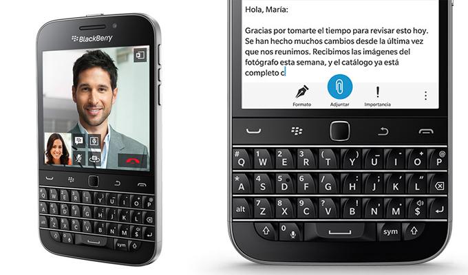 BlackBerry Classic, con teclado físico QWERTY