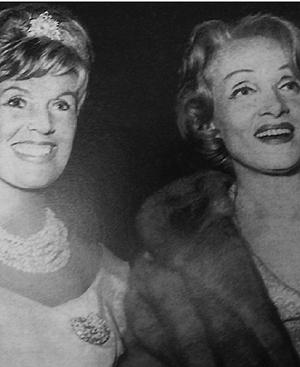 Lale Andersen y Marlene Dietrich, intérpretes ambas de 'Lili Marleen'.
