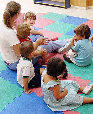 Niños en una escuela infantil Foto: EL MUNDO