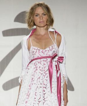 Verónica Blume con un vestido Adlib.