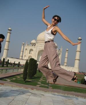 La modelo, visitando el Taj Mahal.