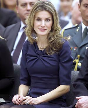 La princesa Letizia, con el vestido de Felipe Varela. (Foto: Gtresonline)