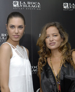Amber Le Bon y Jade Jagger, en La Roca Village.