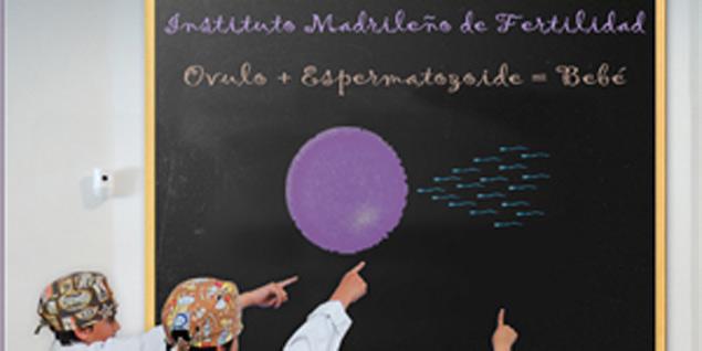 Varios niños en el taller del Instituto Madrileño de Fertilidad.