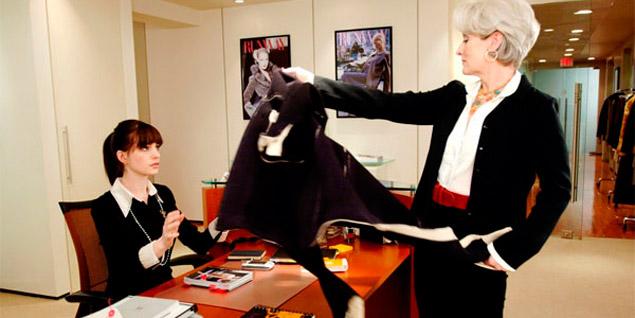 Anne Hathaway y Meryl Streep en un fotograma de 'El diablo se viste de Prada'. (Fotos: Agencias)