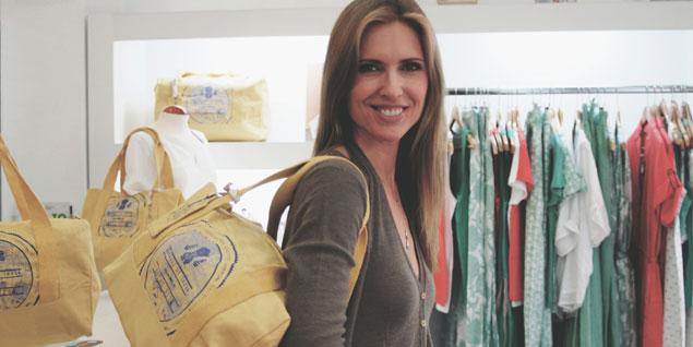 daf41b314 Judit Mascó y el bolso diseñado para 'Veraluna Comercio Justo'.