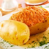 Patata rellena de marisco