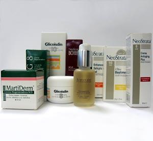 De izda. a dcha.: Crema regeneradora W/S para pielas grasas con tendencia acneica y REG 8, crema regeneradora al 8%. Ambas de MartiDerm. Crema 'Antiaging' Glicoisdin al 8 y 10 % de ISDIN. Tratamiento rejuvenecedor Renovate de Paraderm. Serum Biónica de NeoStrata. Gel Forte con Ácido Salicílico; Ultra Daytime con ácido cítrico y Crema 'Antiaging' Plus con microesferas de Vitaminas C y E. Las tres de NeoStrata.