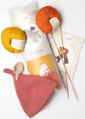Agujas, ovillos e instrucciones. Los 'kits' de Lia Knits lo tienen todo.